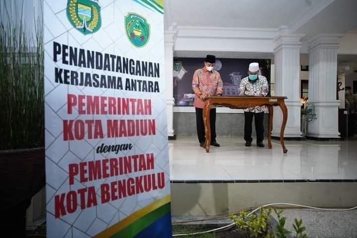 Wali Kota Bengkulu Tandatangani Kesepakatan Kerjasama Potensi Daerah
